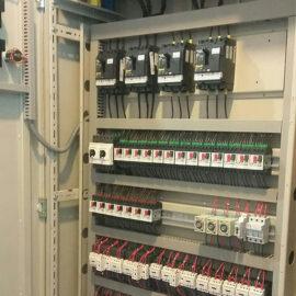 مونتاژ انواع تابلو برق